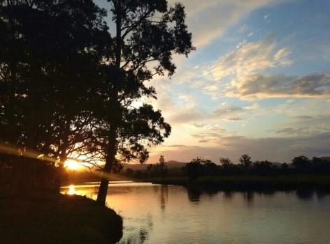 Sonnenuntergang am kostenfreien Campingplatz vom Lions Club