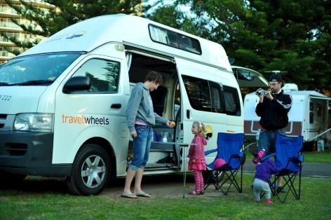 Der 5 Personen Campervan Automatik ist ideal für einen Familienurlaub in Australien
