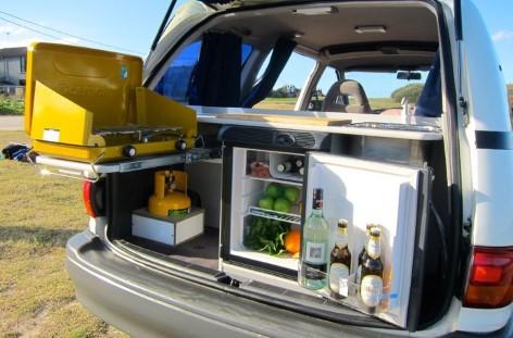 Der 2 Personen Campervan Automatik ist komplett ausgestattet!