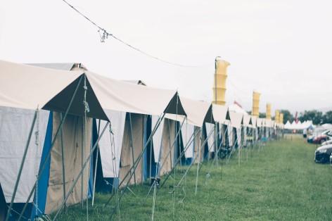 Camping oder Glamping? Die Wahl ist deine - Miete einen Campervan mit Travelwheels und genieße ein wenig Luxus auf den Festivals