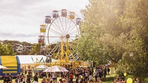 Perspektivenwechsel: Riesenrad auf dem Let Go Fest