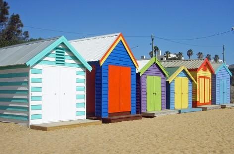 Die farbenfrohen Strandhäuser nahe Melbourne